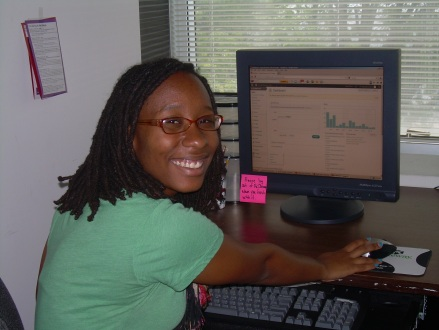 Lerato working on the blog.